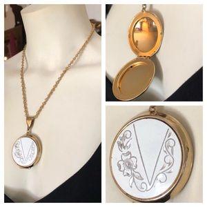 Vintage Locket Pendant Necklace